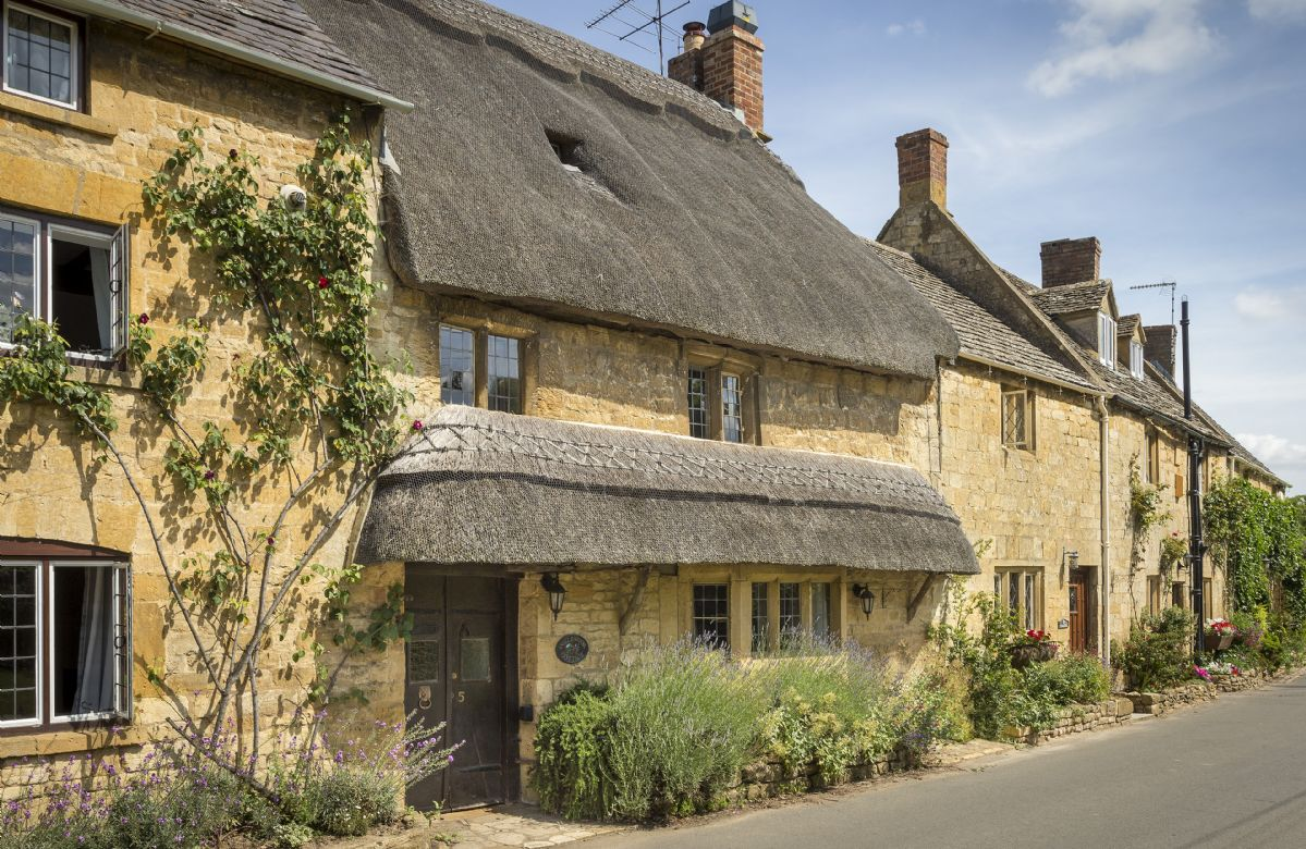 Inglenook Cottage a holiday cottage rental for 2 in Broad Campden,