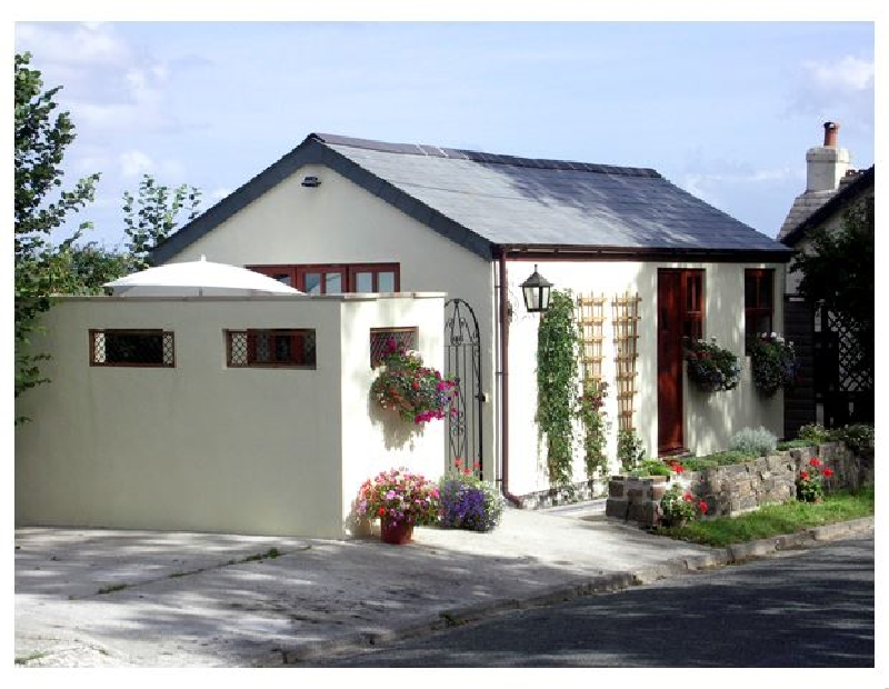 Palmers Lodge a holiday cottage rental for 2 in Egloskerry,