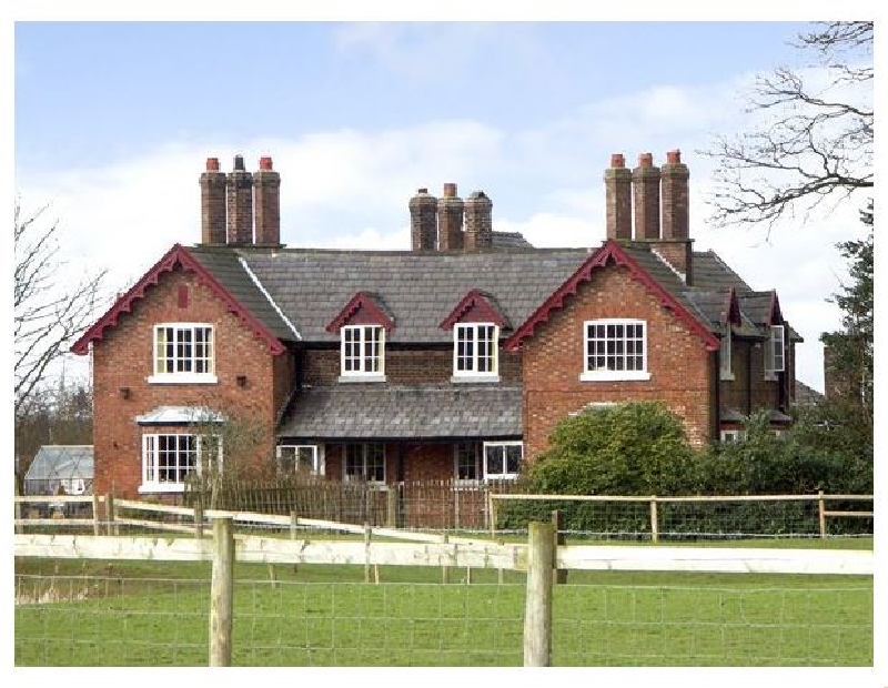 Dairy Apartment 2 a holiday cottage rental for 5 in Tatton Park,