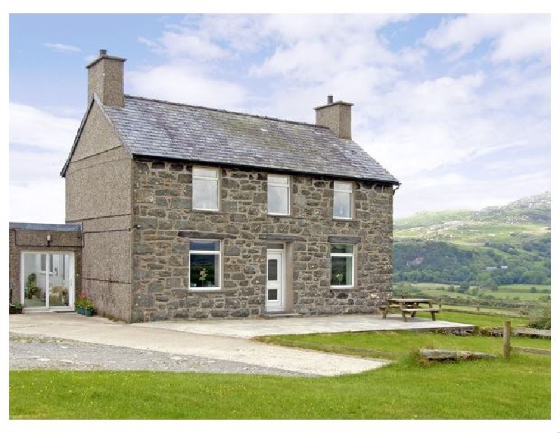 Image of Ymwlch Bach Farmhouse