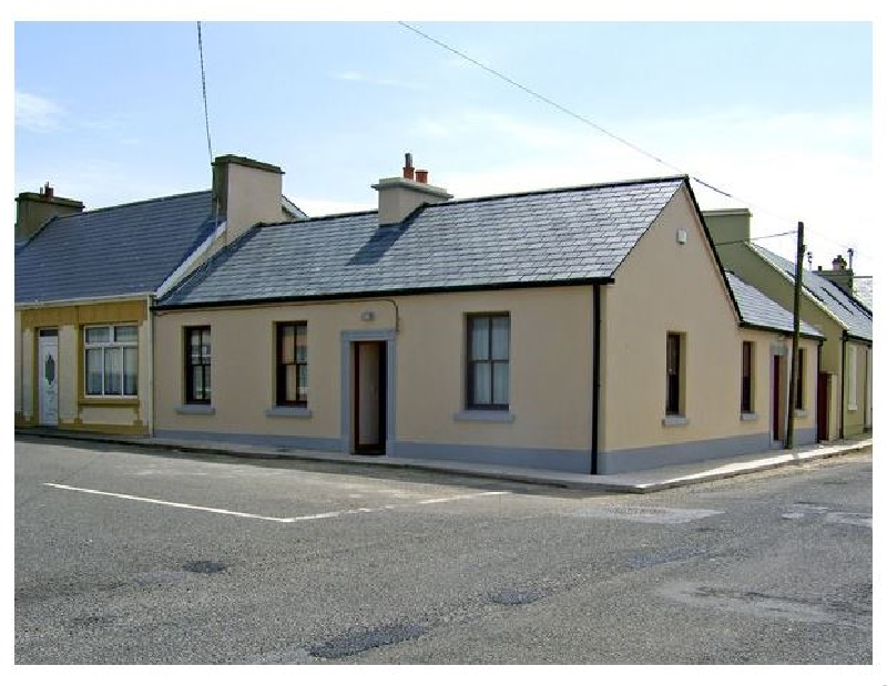 Kilkee Cottage a holiday cottage rental for 5 in Kilkee,