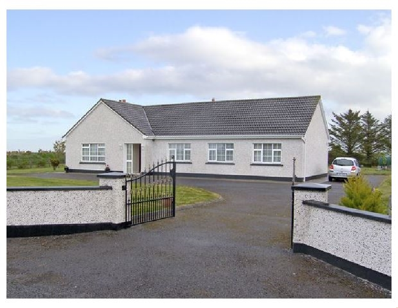 Dromore West Cottage a holiday cottage rental for 7 in Dromore West,