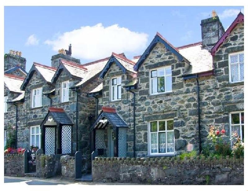 Trevlyn a holiday cottage rental for 5 in Llanbedr,