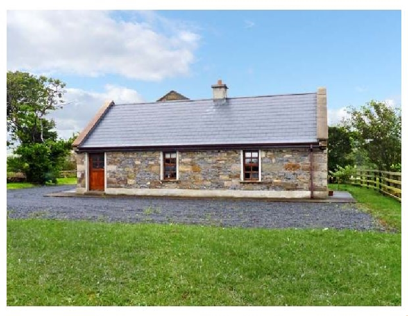 Creevy Cottage a holiday cottage rental for 6 in Cliffoney,