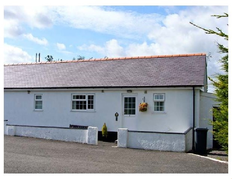 3 Black Horse Cottages a holiday cottage rental for 4 in Pentraeth,