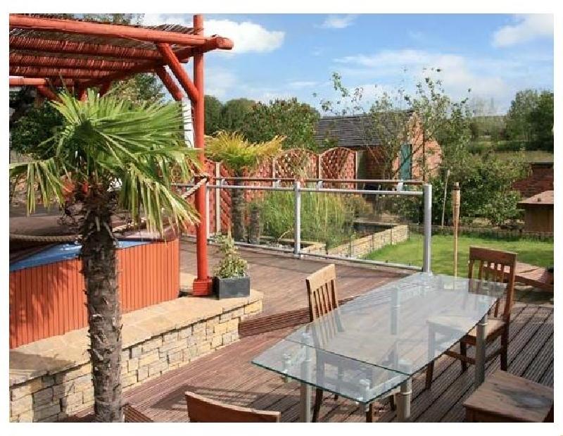 302 Over Lane Cottage a holiday cottage rental for 6 in Belper,