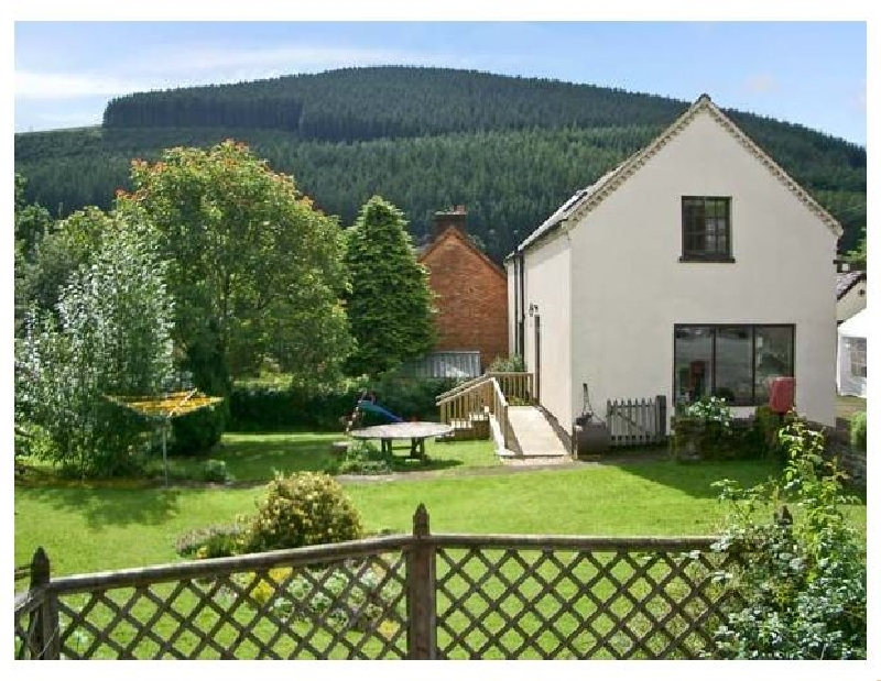 Tailor's Cottage a holiday cottage rental for 7 in Abbeycwmhir,