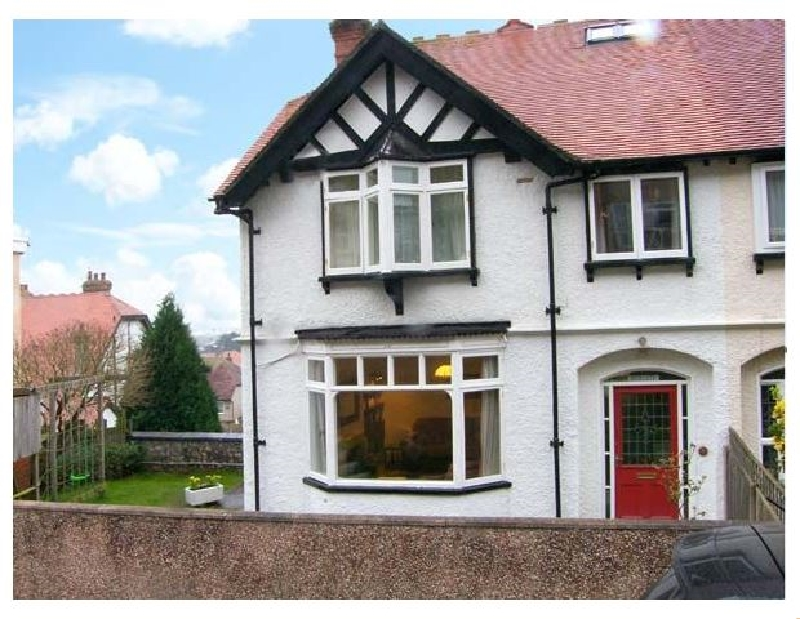 Highgate a holiday cottage rental for 10 in Llandudno,