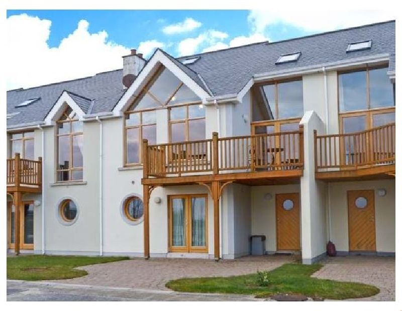 At Water Edge a holiday cottage rental for 6 in Tarmonbarry,