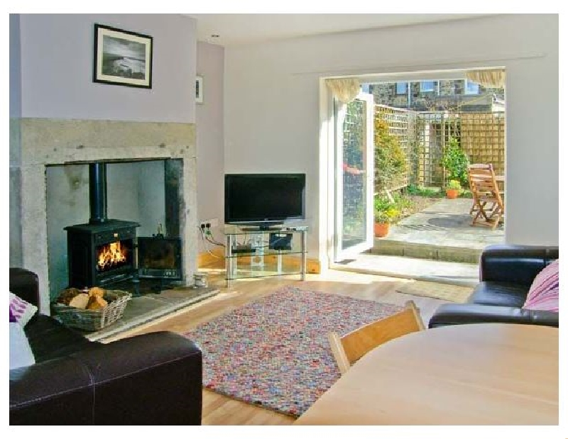 2 Bay View a holiday cottage rental for 4 in Amble,