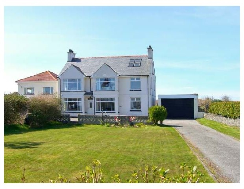 Gables Retreat a holiday cottage rental for 3 in Trearddur Bay,