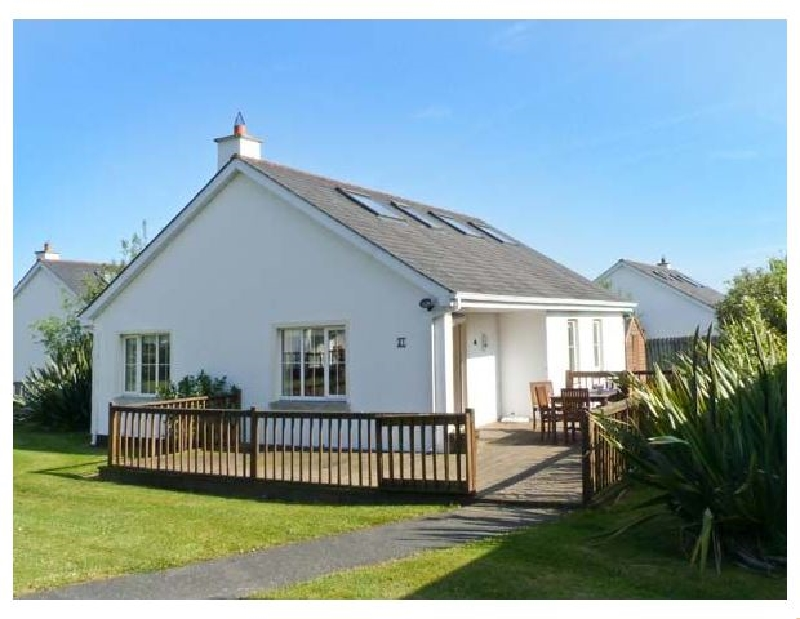 21 Brittas Bay Park a holiday cottage rental for 6 in Brittas Bay,
