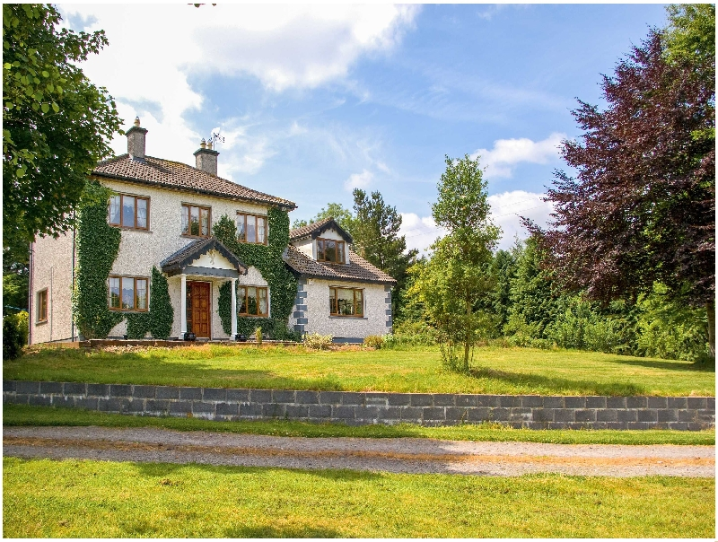 Ivy House a holiday cottage rental for 10 in Boyle,