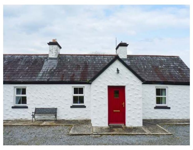 Banada Cottage a holiday cottage rental for 4 in Tobercurry,