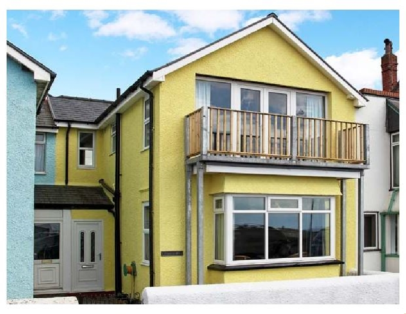 Trysor Y Mor a holiday cottage rental for 6 in Borth,