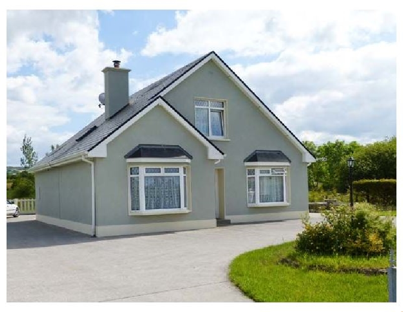 Margaret's House a holiday cottage rental for 8 in Abbeyfeale,