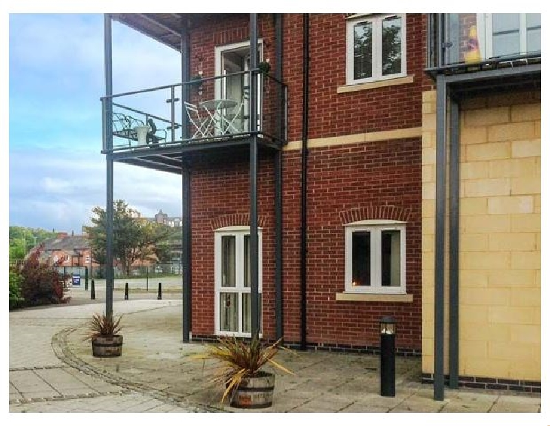 Racecourse Apartment a holiday cottage rental for 4 in Chester,