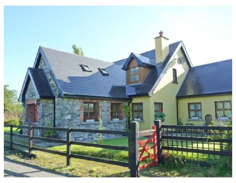 Greaneys Gates a holiday cottage rental for 6 in Newcastle West,