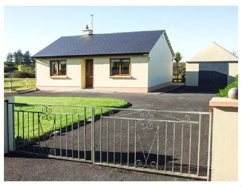 Mullagh Cottage a holiday cottage rental for 4 in Mullagh,