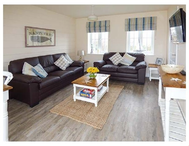 Nantucket Cottage a holiday cottage rental for 4 in Filey,