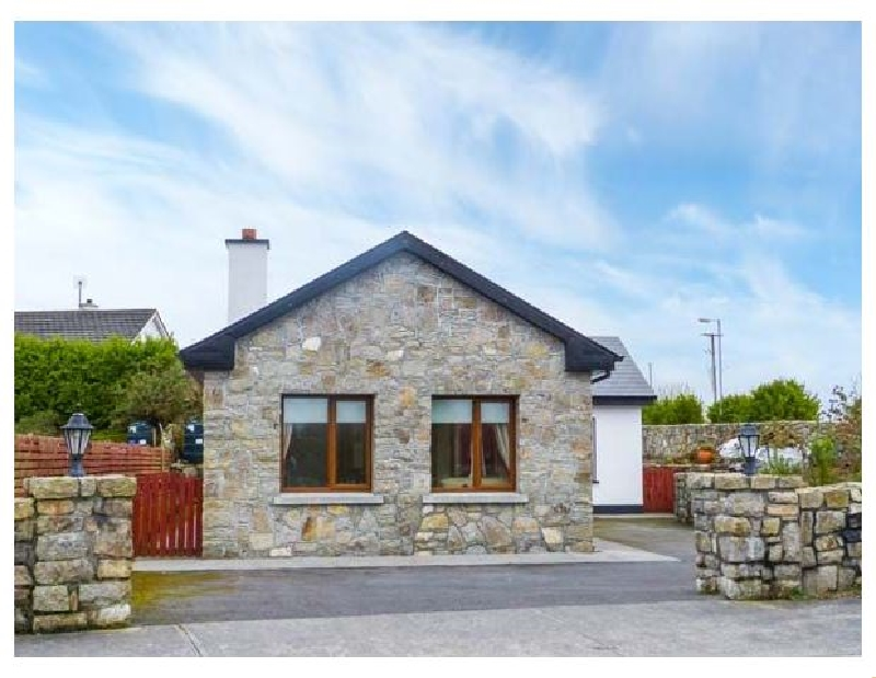 Labasheeda a holiday cottage rental for 6 in Carraroe,