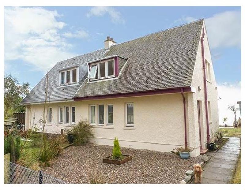 Erra Loch a holiday cottage rental for 4 in Benderloch,