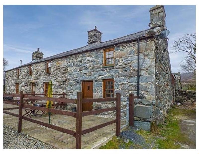 Cwm Yr Afon Cottage a holiday cottage rental for 3 in Llanbedr,