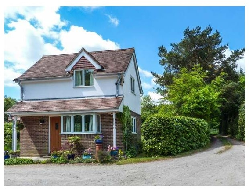 Wood Glen Cottage a holiday cottage rental for 2 in Rushlake Green,
