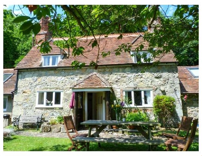 Lisle Combe Cottage a holiday cottage rental for 6 in Ventnor,