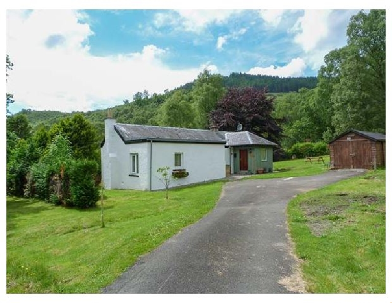 The Sheiling a holiday cottage rental for 3 in Callander,