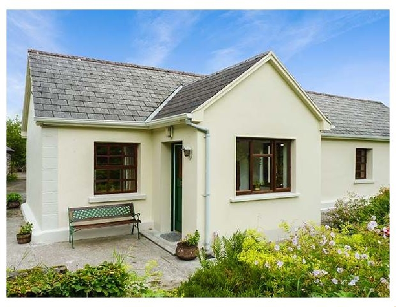 Hawthorn Farm Cottage a holiday cottage rental for 6 in Curry,