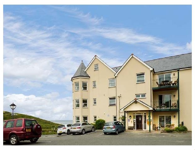 9 Beachcombers Apartments a holiday cottage rental for 4 in Watergate Bay,