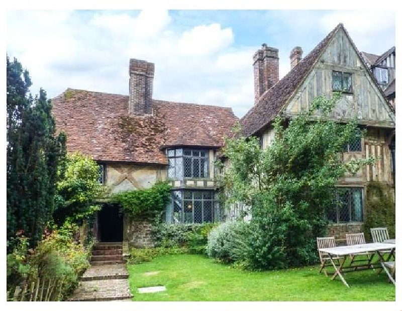 Details about a cottage Holiday at Tudor Wing