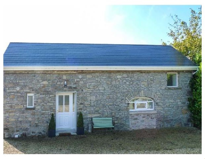 Bright Modern Apartment -The Old Stables a holiday cottage rental for 2 in Roscrea,