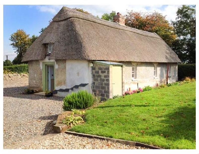New Thatch Farm a holiday cottage rental for 4 in Knocklong,