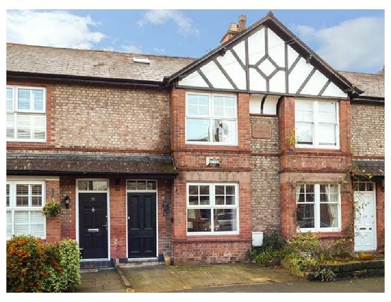 Rainton Cottage a holiday cottage rental for 6 in Hale Near Altrincham,