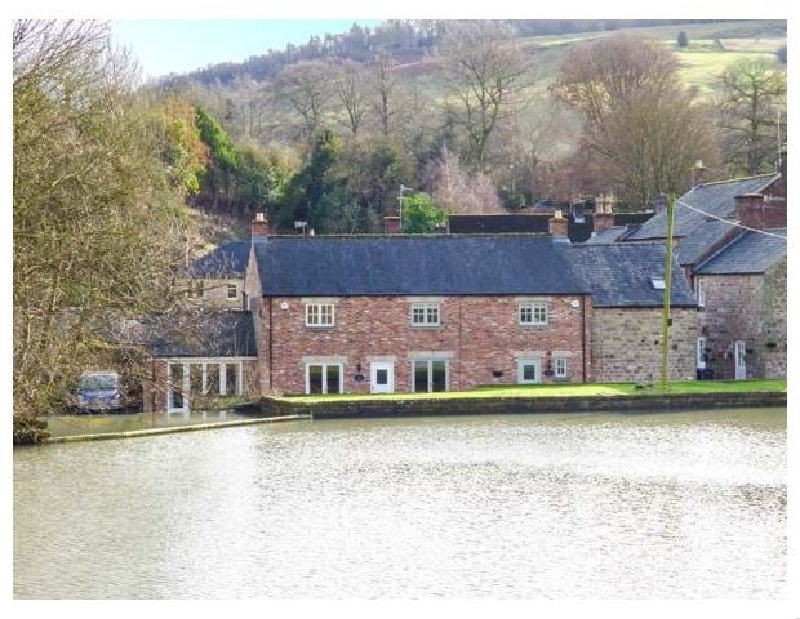Weir Cottage on the Mill Pond a holiday cottage rental for 4 in Cromford,