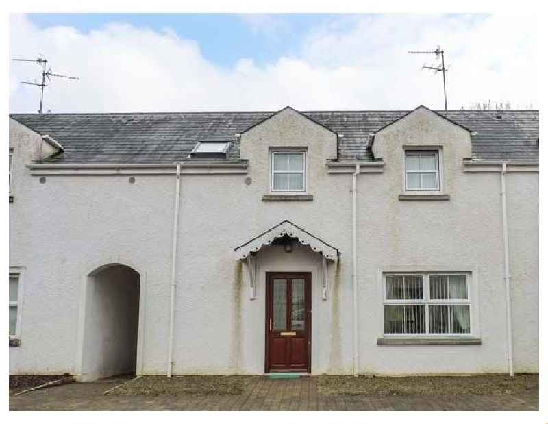 4 Mac Nean Court a holiday cottage rental for 6 in Blacklion,