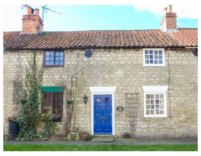 Kate's Cottage a holiday cottage rental for 2 in Slingsby,