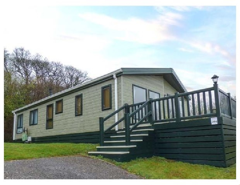 Lake View Lodge a holiday cottage rental for 6 in Newquay,