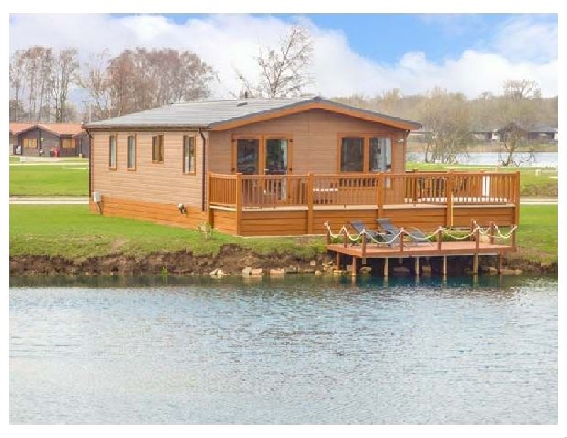 Castle View Lodge a holiday cottage rental for 6 in Tattershall Lakes Country Park,