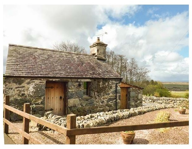 Y Becws a holiday cottage rental for 2 in Llanbedr,