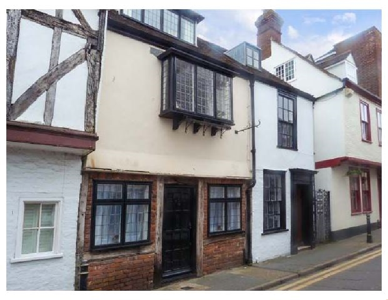 Nat Field's House a holiday cottage rental for 4 in Canterbury,