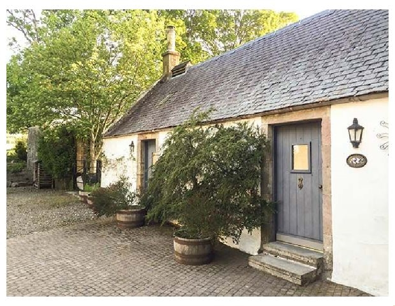 Sweetpea Cottage a holiday cottage rental for 2 in Biggar,