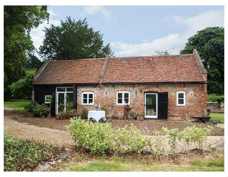 The Stables a holiday cottage rental for 4 in Upper Upnor,