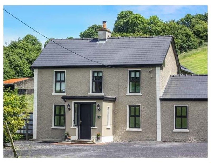 Hannon's Country Farmhouse a holiday cottage rental for 8 in Ballymote,