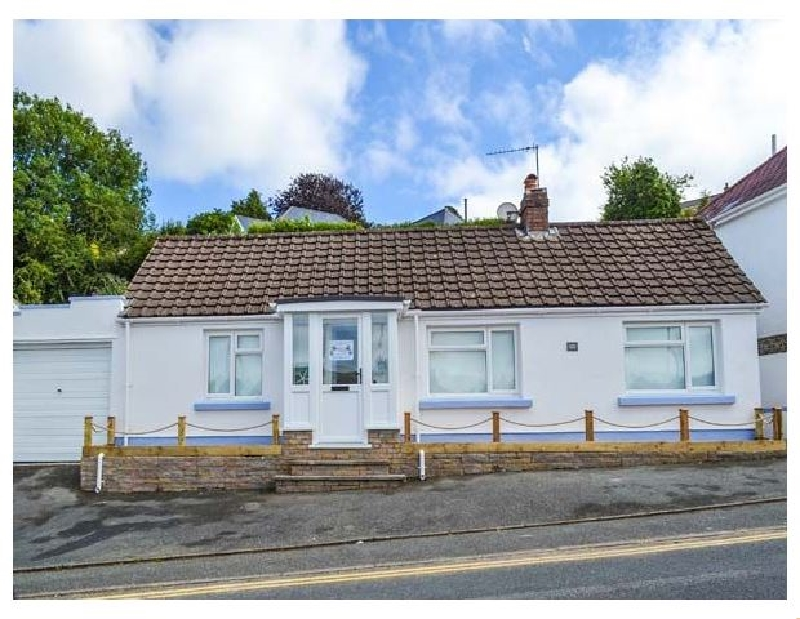 Captiva Cottage a holiday cottage rental for 8 in Saundersfoot,