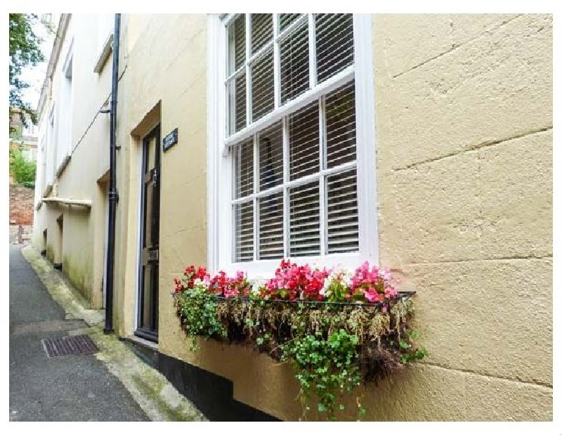Studio Cottage a holiday cottage rental for 4 in Hythe,