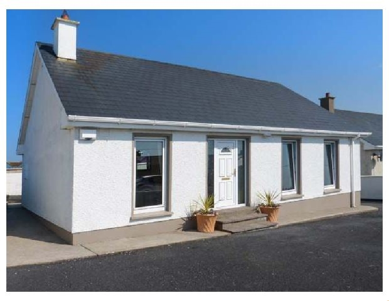 16 Seaview Park a holiday cottage rental for 5 in Ballycotton,