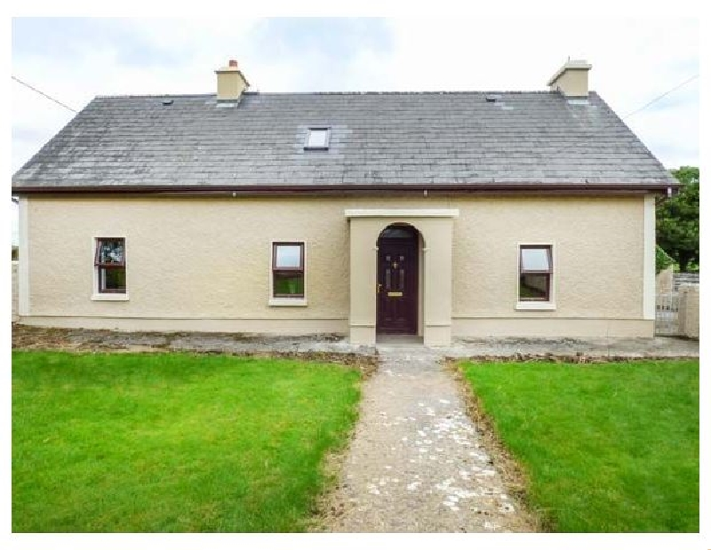 Camona Cottage a holiday cottage rental for 7 in Curraghboy,
